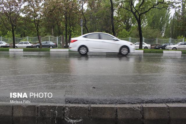 تداوم بارش در سه استان شمالی، گرد و غبار دو استان را در برمی گیرد