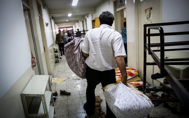پیگیر بازگشایی موقت خوابگاه ها برای جمع کردن وسایل توسط دانشجوها هستیم
