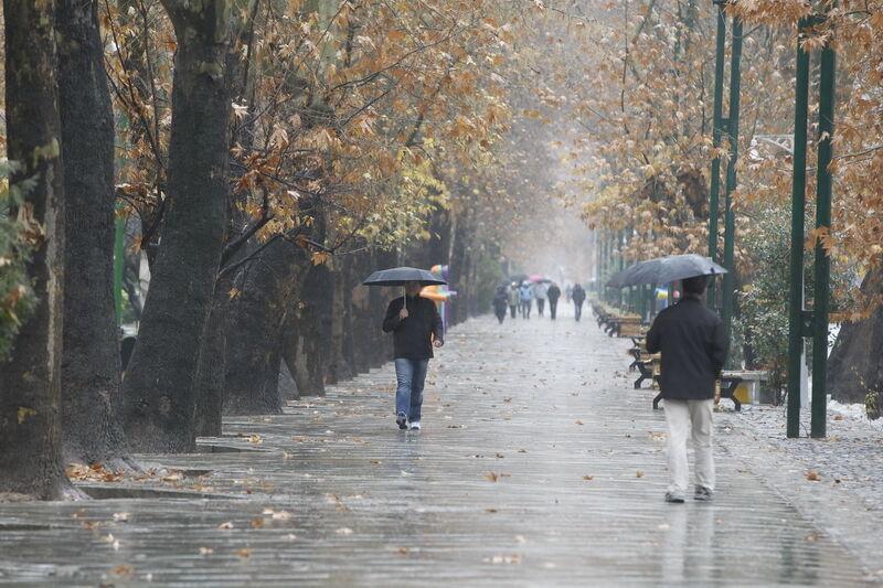 خبرنگاران آغاز بارش های پاییزی یک هفته ای در گیلان و مازندران