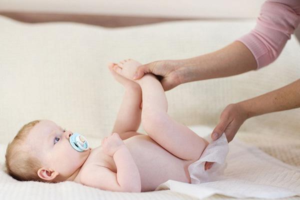 زیاد کار کردن شکم نوزاد تا چه حدی طبیعی است؟